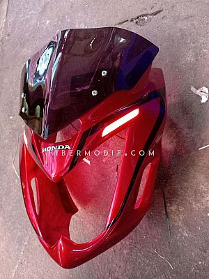 Sayap + Topeng LED Verza 150 Red Gloss Speed Striped