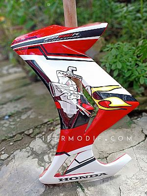 Sayap CB150R Streetfire White-Red Art Decal