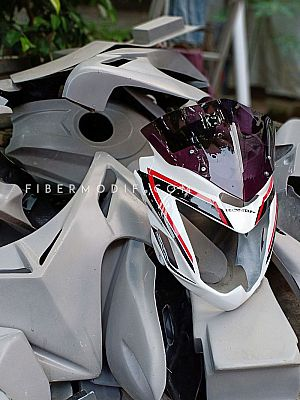 Cover Headlamp Old CB150R - White n Black Red Striped