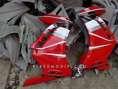 Half Fairing CB150R Facelift model FI - Gloss Red n Black-White-Gray Slash Striped