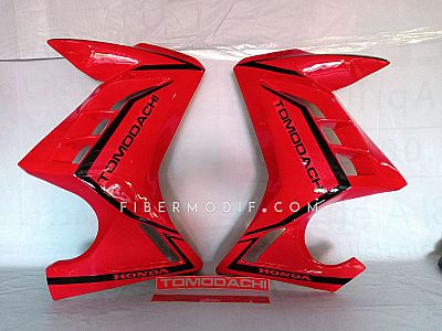 Half Fairing Verza 150 model FI - Red Gloss Black Striped TOMODACHI