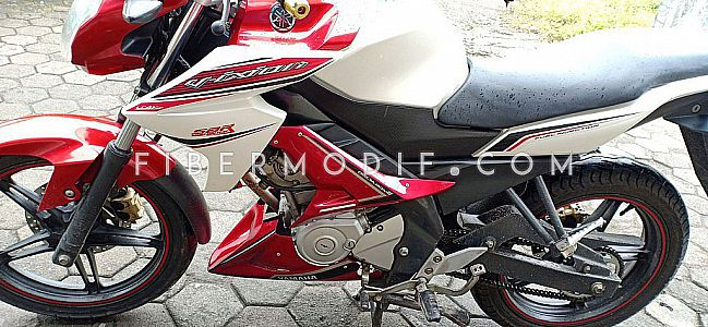Middle Cowl + Undercowl untuk Vixion Advance Lightning - Red Glossy